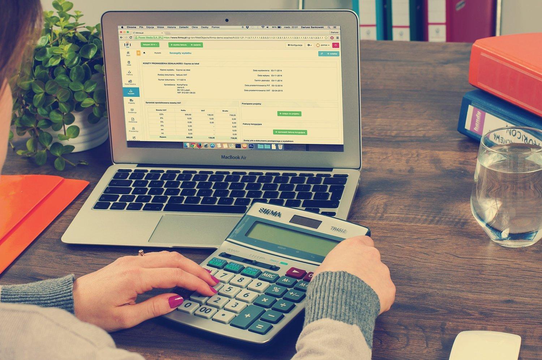 نرم افزار حسابداری ساده فروشگاهی 1 نرم افزار حسابداری ساده فروشگاهی
